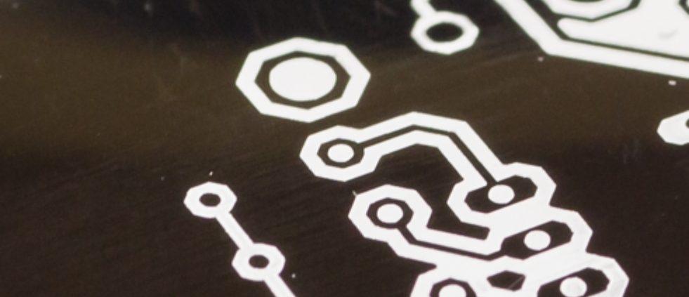 Herstellen von elektrischen Leiterbahnen durch Laserstrukturieren